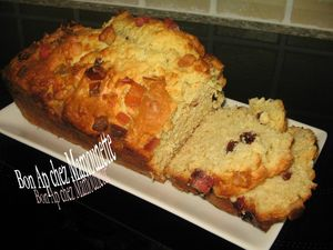 Cake aux canneberges et fruits confits 012