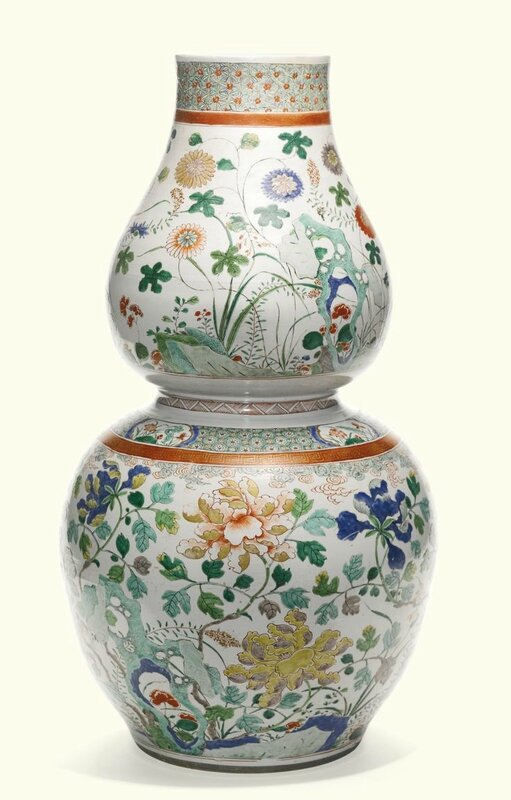 A large famille-verte double-gourd vase, Qing Dynasty, Kangxi Period
