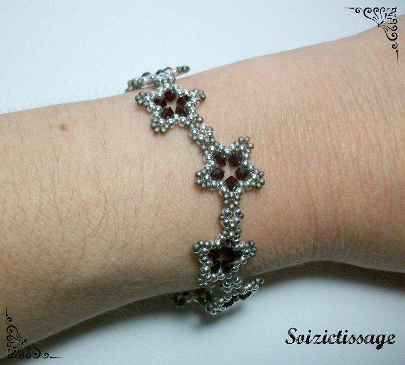 Bracelet suite d'étoile porté
