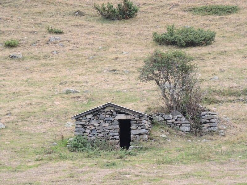 Refuge de la Glère, randonnée, plateau du Lienz, cabane de Camou (65)