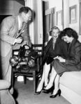1952_with_journalist_aline_mosby_photographer_George_Long