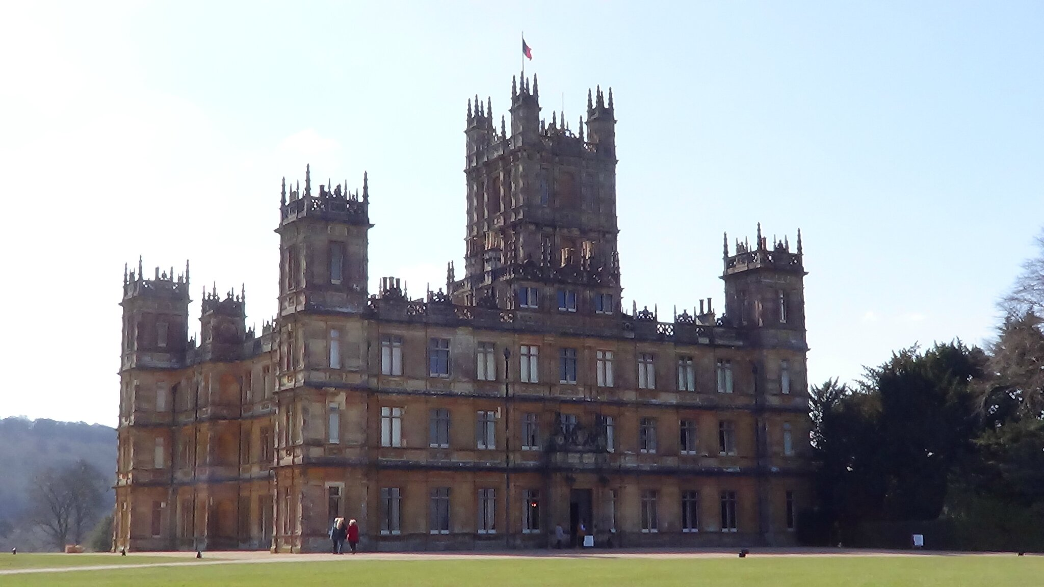So british f comme encadrement - Chateau downton abbey ...