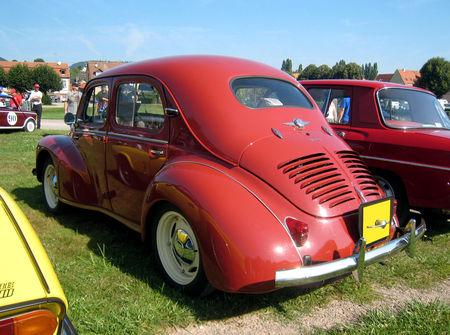 Renault_4_CV_de_1960_02