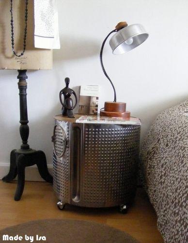 Chambre: tambour de machine à laver détourné en chevet