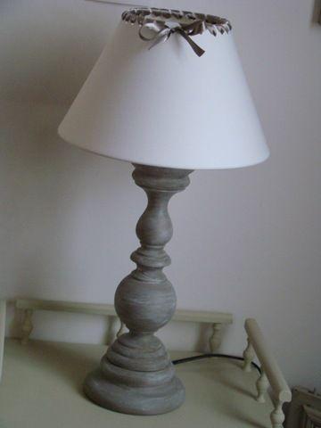 Pied de lampe patiné