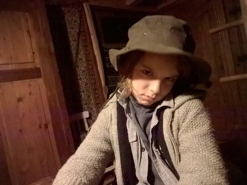 WP_20170930_21_00_44_Selfie