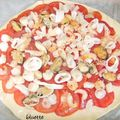 Pizza fruits de mer & tomates