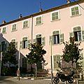 Le palais de monseigneur du bellay à draguignan