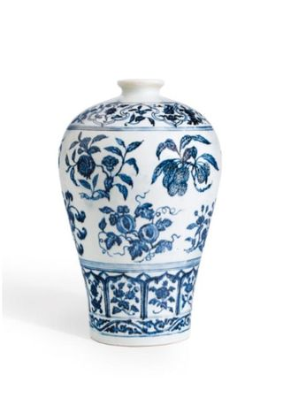 AN_OUTSTANDING_BLUE_AND_WHITE_VASE_WITH_FRUIT_SPRAYS__MEIPING