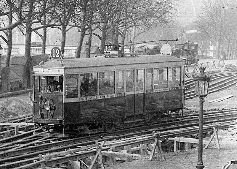 PHOTO-tram-cours-la-reine