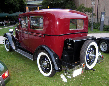 Opel_8_PS_luxuslimousine_de_1930_02
