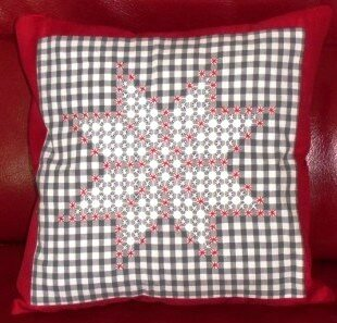 Broderie suisse grille gratuite broderie suisse - Broderie suisse grilles gratuites brigitte rainglet ...