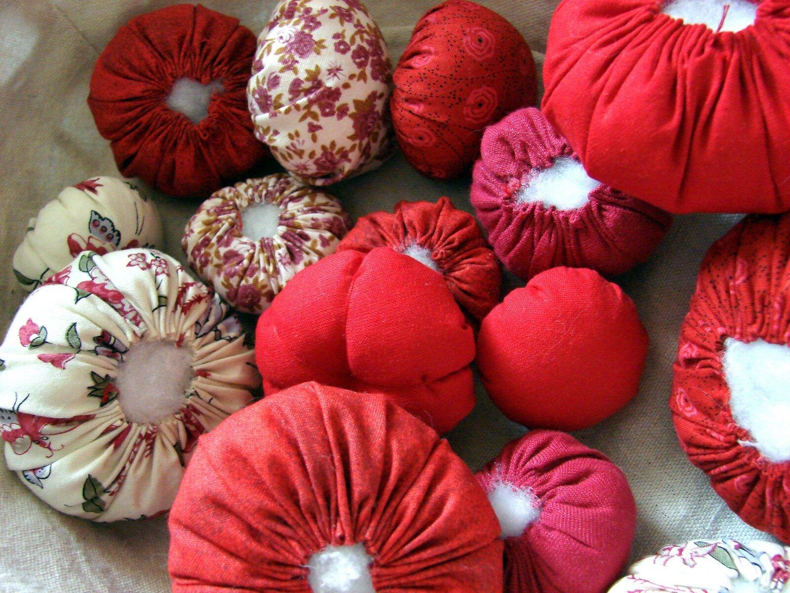Une couronne pour no l le blog de mimiblue for Decoration de noel a fabriquer en tissu