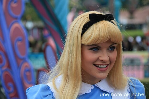 disneyland_paris_alice