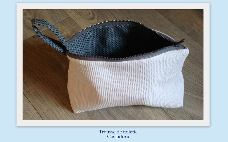 Trousse de toilette2