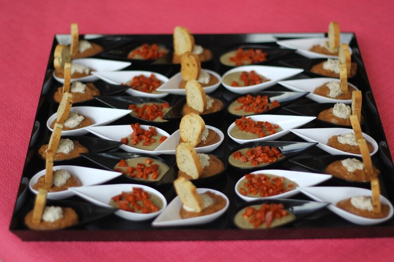 Cuillère de caviar d'aubergines, sardines et feta