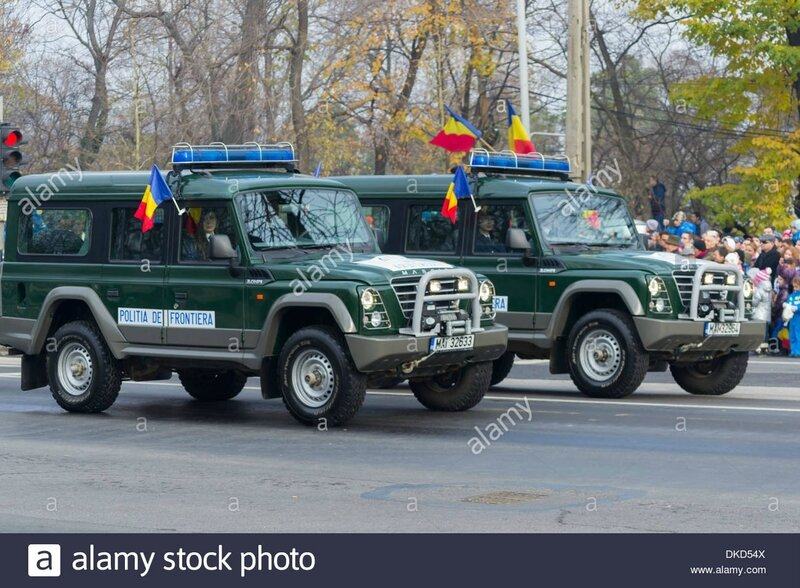 romanian-border-police-iveco-massif-4x4-cars-december-1st-parade-on-DKD54X