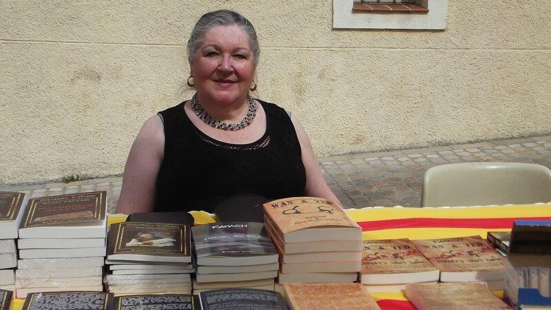 DSCF0308 Canelle sur le stand de Kamash (OXYMORON Editions) Sant Jordi ELNE