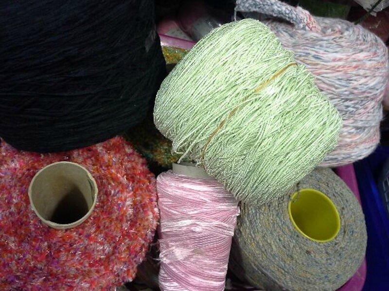 Arrivage de laines fantaisies - La Petite Mercerie - Emmaüs Le Plessis-Trévise