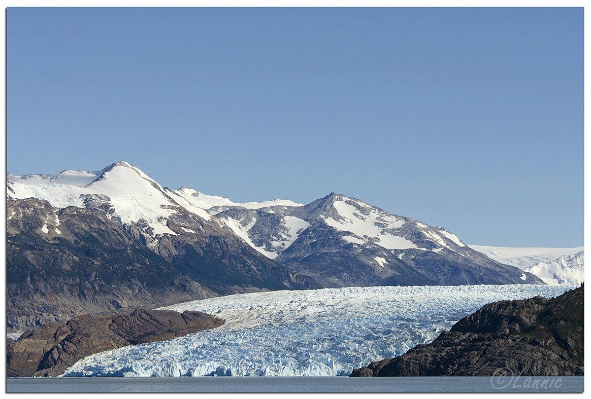 _Argentine_453_Chili_Torres_del_Paine_glacier_Grey