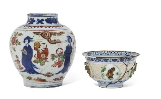 A small wucai jar and an enameled and underglaze-blue-decorated molded bowl, Ming-Early Qing dynasty, 16th-17th century