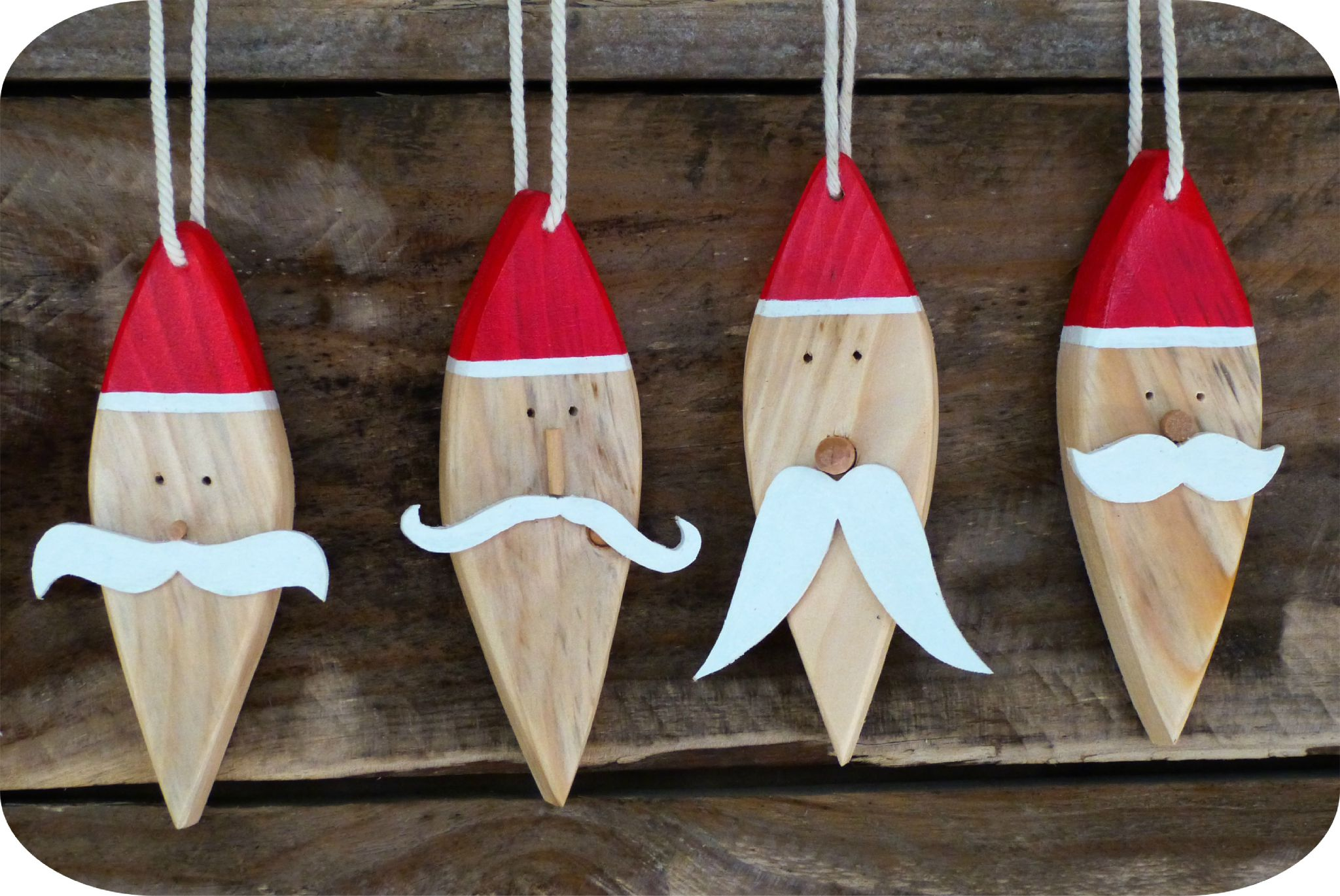 Les moustaches du p re no l madame ki - Pere noel en bois ...