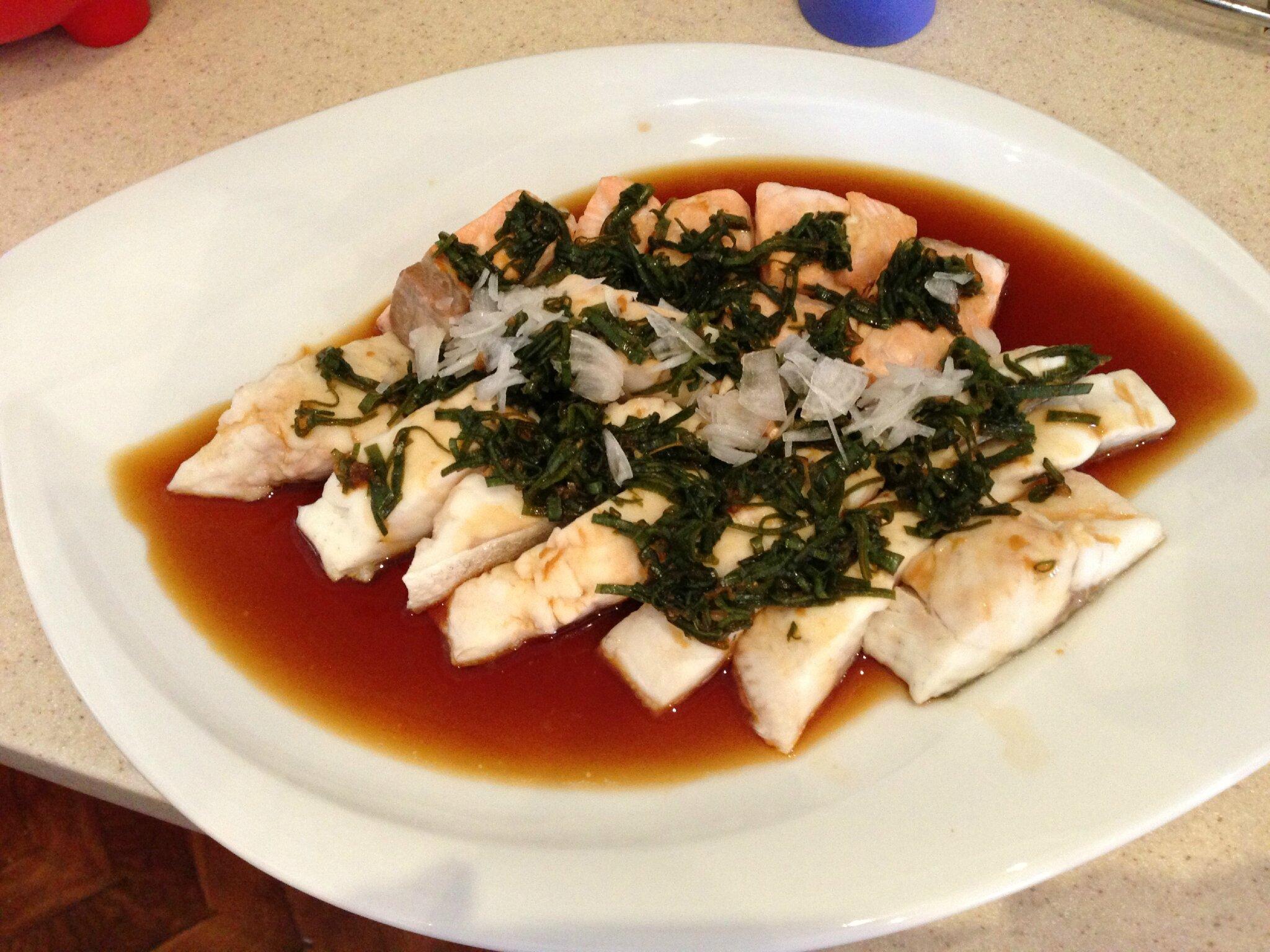 Saumon grill ou la vapeur la sauce soja cherka - Cuisine asiatique vapeur ...