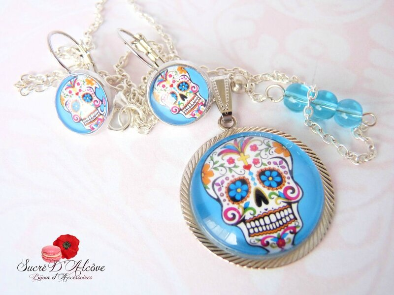 Collier cabochon funny skulls turquoise (9)