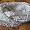 Snood ou écharpe tube blanc