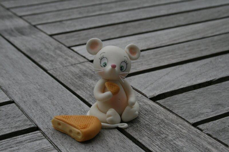 les souris passent à table (porte-couteaux)