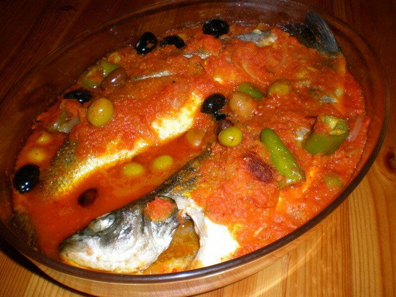 Poissons au four a la tunisienne tellement bon - Plan cuisine tunisienne ...