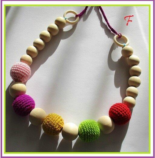 collier perle bois crochetée