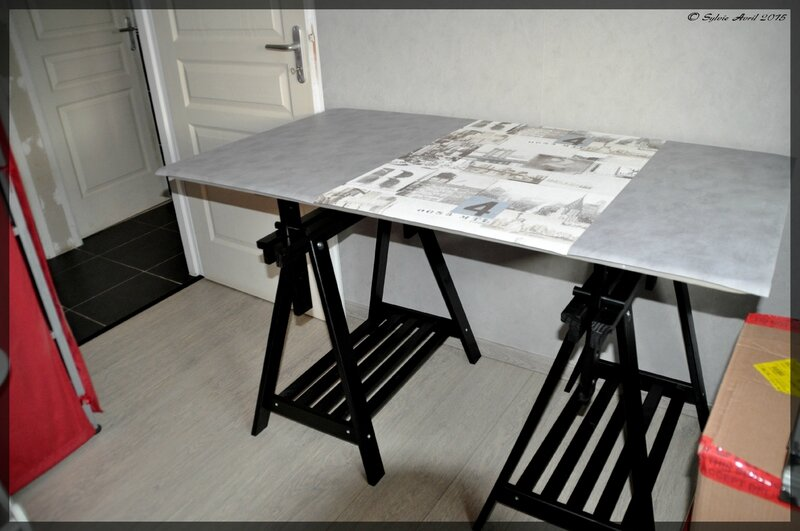 table de couture et 1er petits travaux la maison. Black Bedroom Furniture Sets. Home Design Ideas