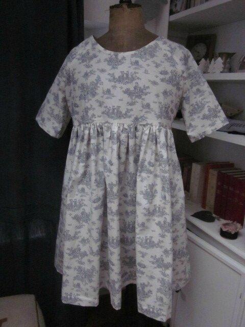 Robe RAYMONDE en coton écru imprimé toile de Jouy gris - taille 40 (3)