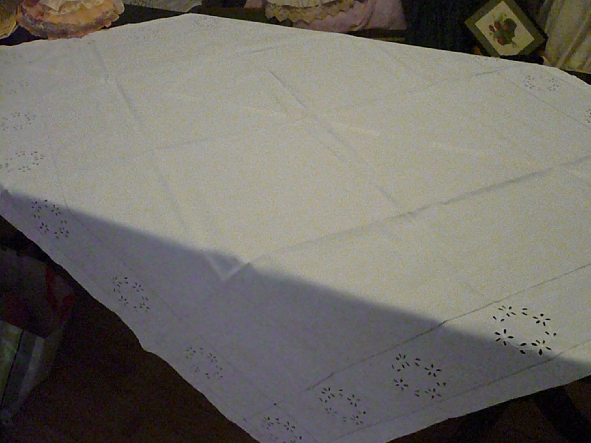 Nappe ELEONORE - lin - broderie anglaise - ancien fait main