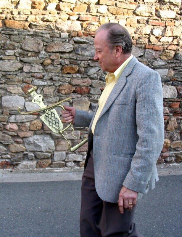 2006 08 FEP Albert Néel et le trophée