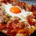 Pizza jambon-oeuf