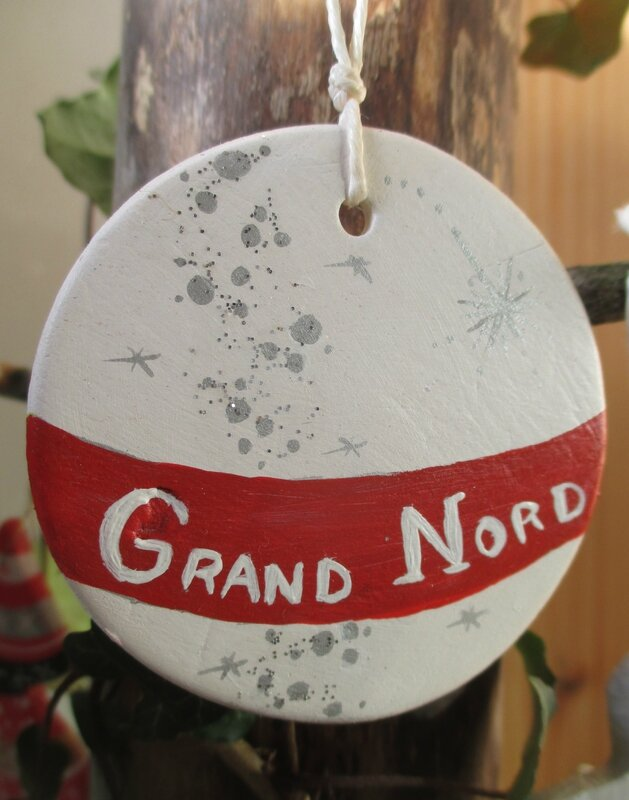 Petite sphère Grand Nord (argile peinte) - CélinArtisa