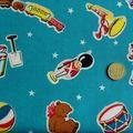 Tissu coton étoile et jouets rétro