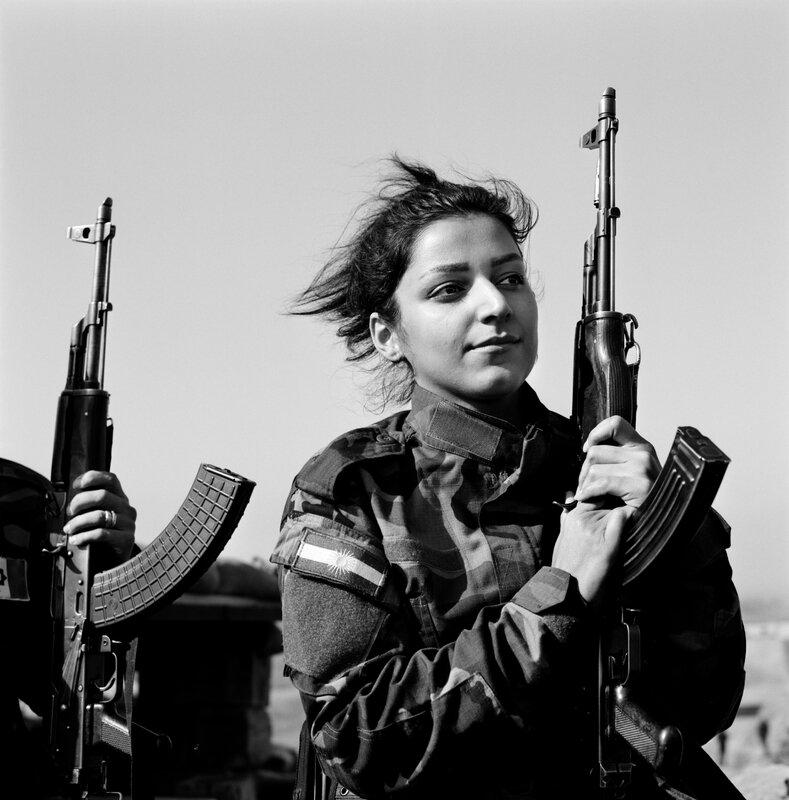peshmerga femme portrait NISHTMAN - copie