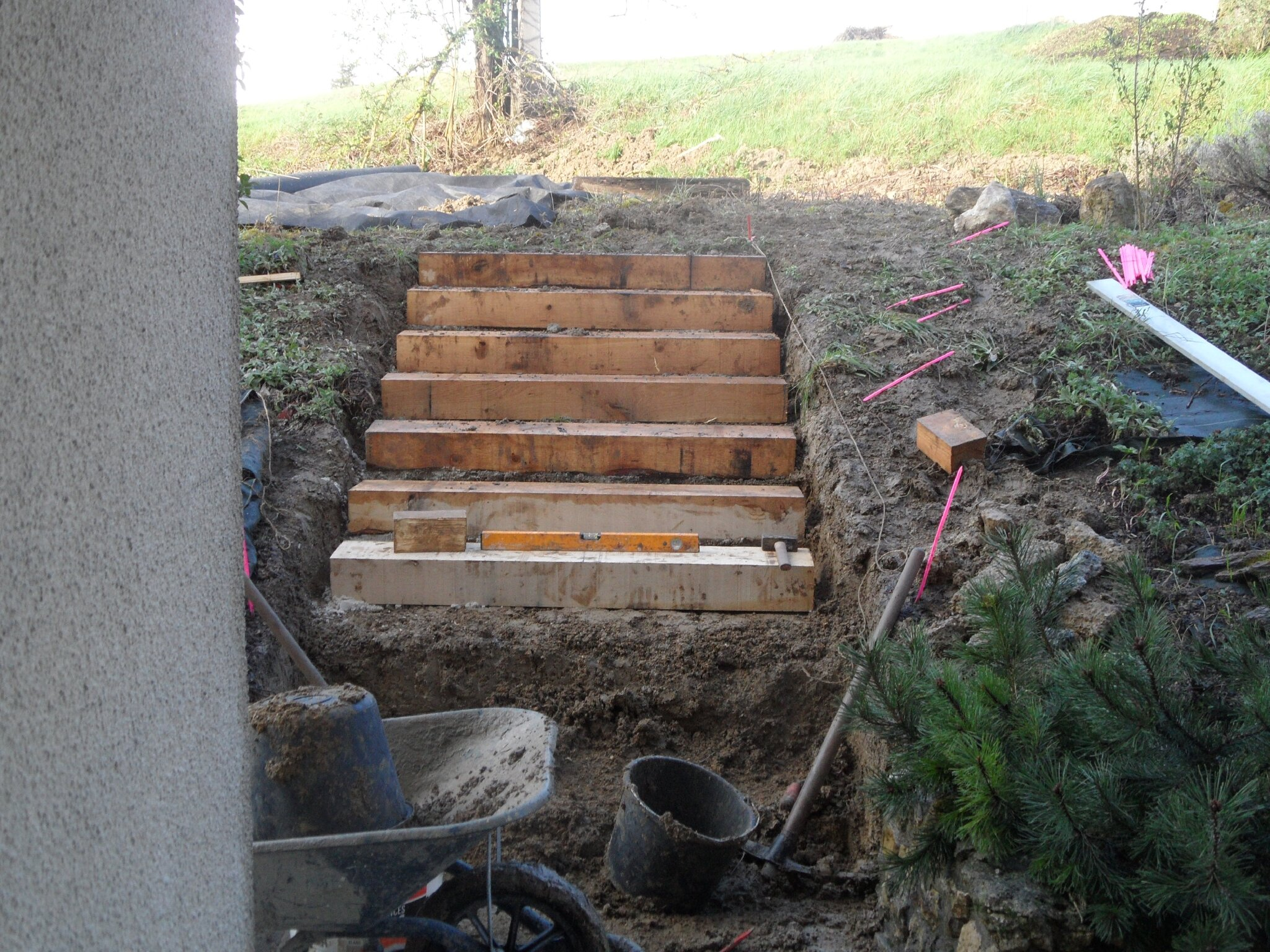 Un escalier de plus mondesir guit for Escalier traverse