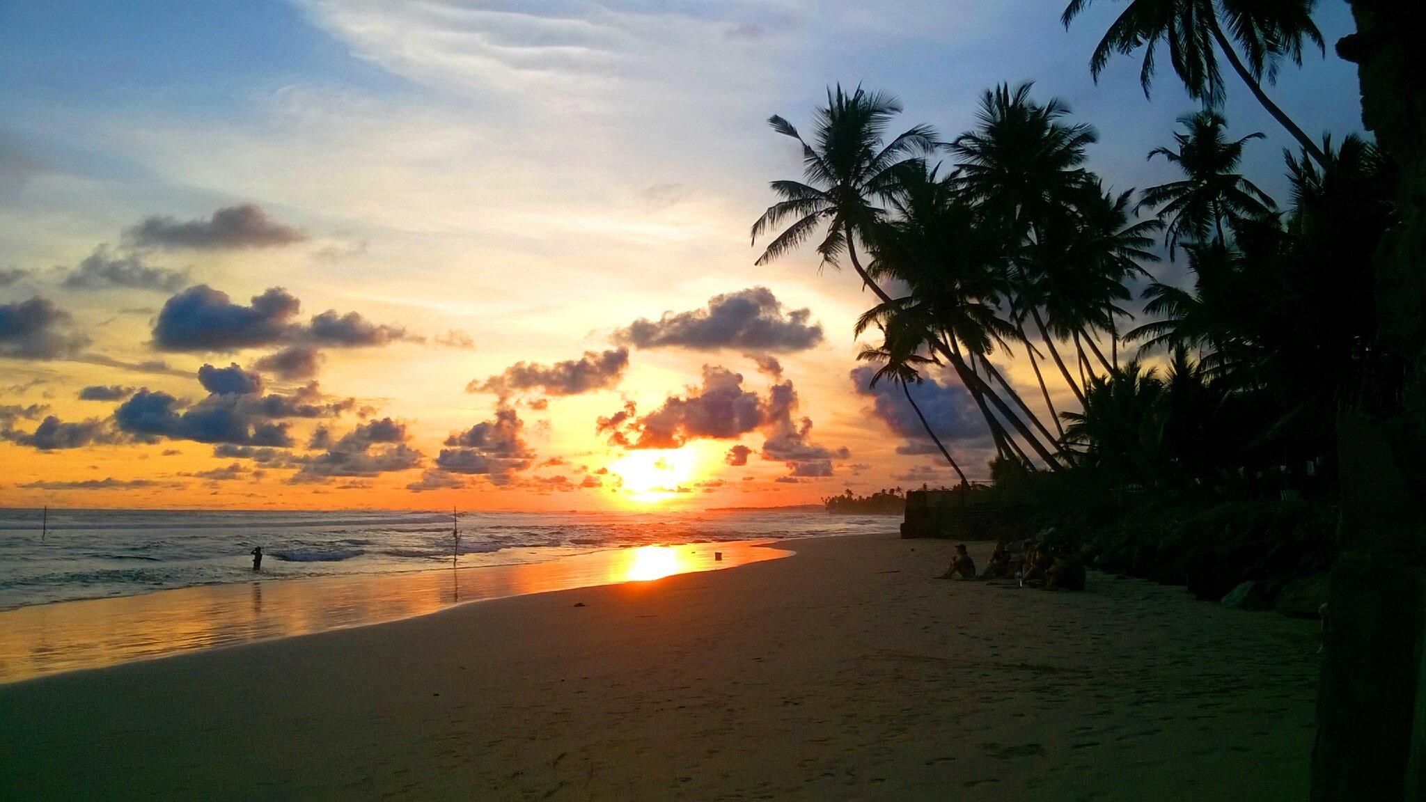 Coucher de soleil et lever de pleine lune les 365 jours d 39 aurore en asie - Heure de lever et coucher de la lune ...