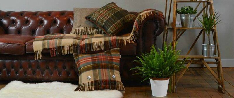 original_classic-wool-blanket-in-royal-stewart-tartan
