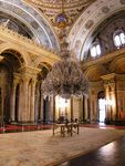 450px_Ceremonial_hall_Dolmabahce_March_2008_pano