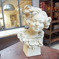 New : 19' century old woman bust