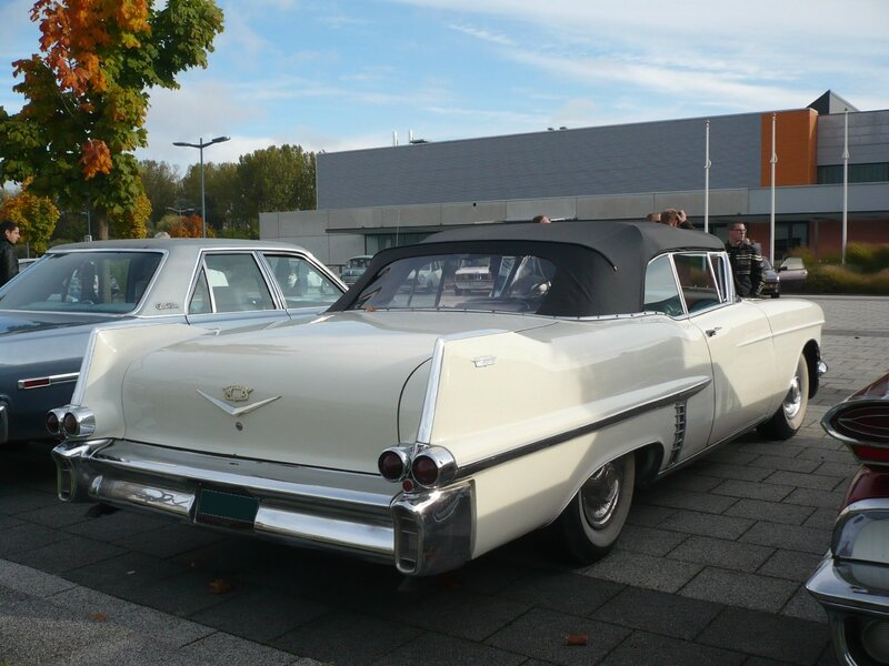 CADILLAC Series 62 2door convertible 1957 Weyersheim (2)