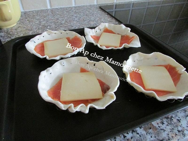 Tartelettes saumon fumé raclette crème fraîche origan 005