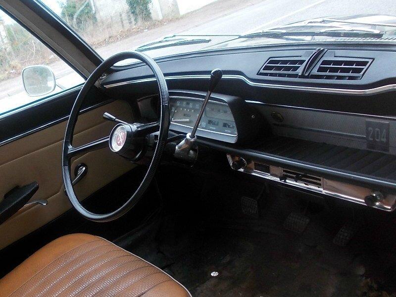 Peugeot204bkint