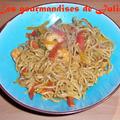 Nouilles chinoises sautées aux 3 poivrons et crevettes