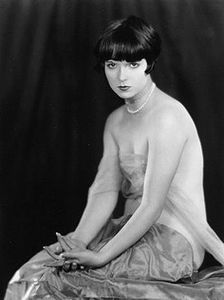 louise_brooks_1925_1_
